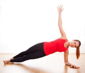 בריאות הוליסטית - אשה מתעמלת